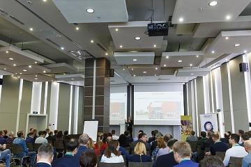 На конференции «Безопасное вождение – 2018» представили мобильный терминал, монтируемый за пять минут, и другие новинки транспортного мониторинга
