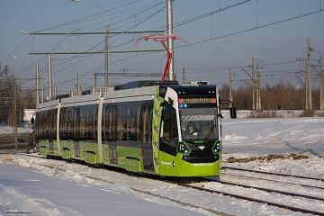 Частный трамвай «Чижик» на берегах Невы