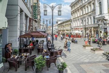Город «мясоедов»: 20% ресторанов в центре Москвы – мясные, японской кухни – всего 3%, а самая популярная улица рестораторов – Камергерский переулок