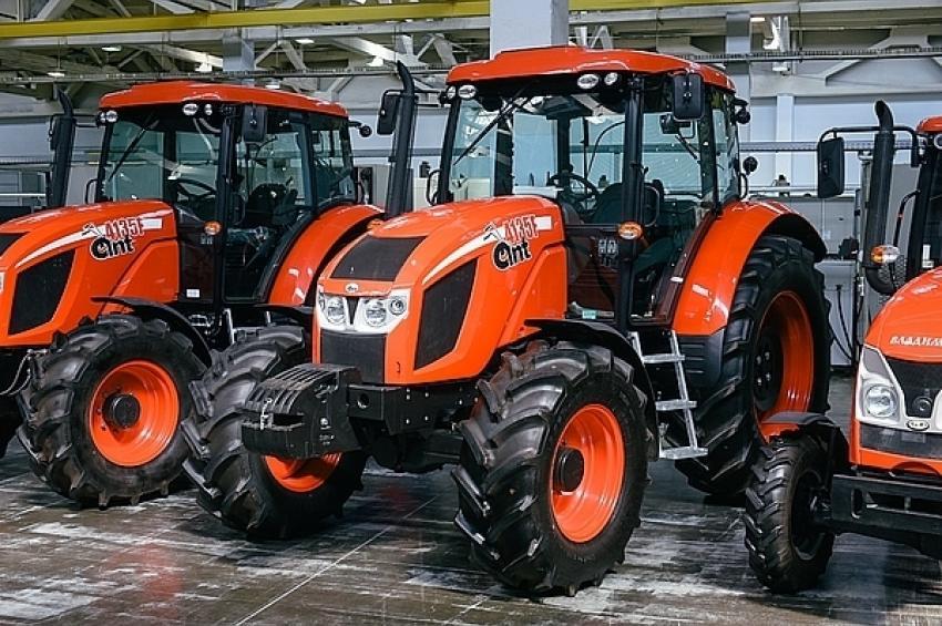 Ростех приступил к серийной сборке новой тракторной техники во Владимирской области